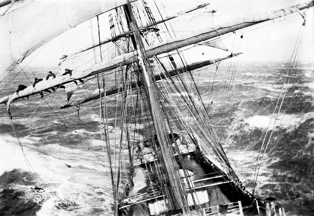 sailingship2.jpg